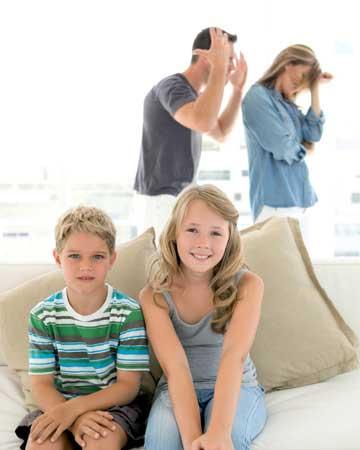 Πρέπει η Μαμά & ο Μπαμπάς να Έχουν τη Ίδια Γνώμη;