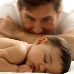 Γιατί τα Μωρά Λένε Πρώτα Μπαμπά?