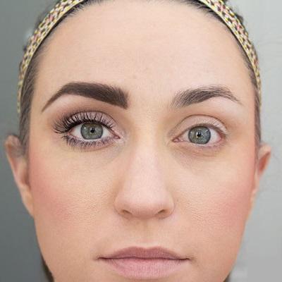 4 Τρόποι για να Φαίνονται τα Μάτια σας πιο Μεγάλα και Φωτεινά