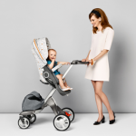 Νέα ανοιξιάτικα χρώματα για το Παιδικό Καρότσι Stokke Scoot